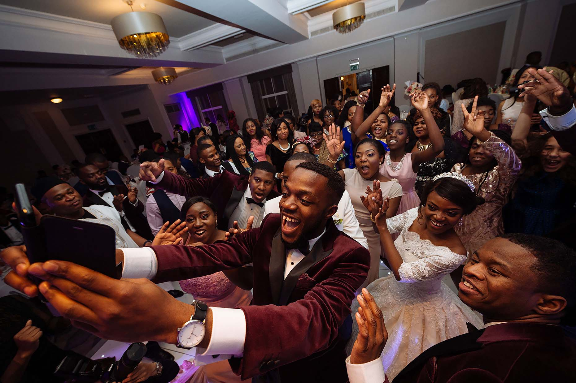 african-wedding-london-grand-connaught-rooms-selfie-dancefloor-10