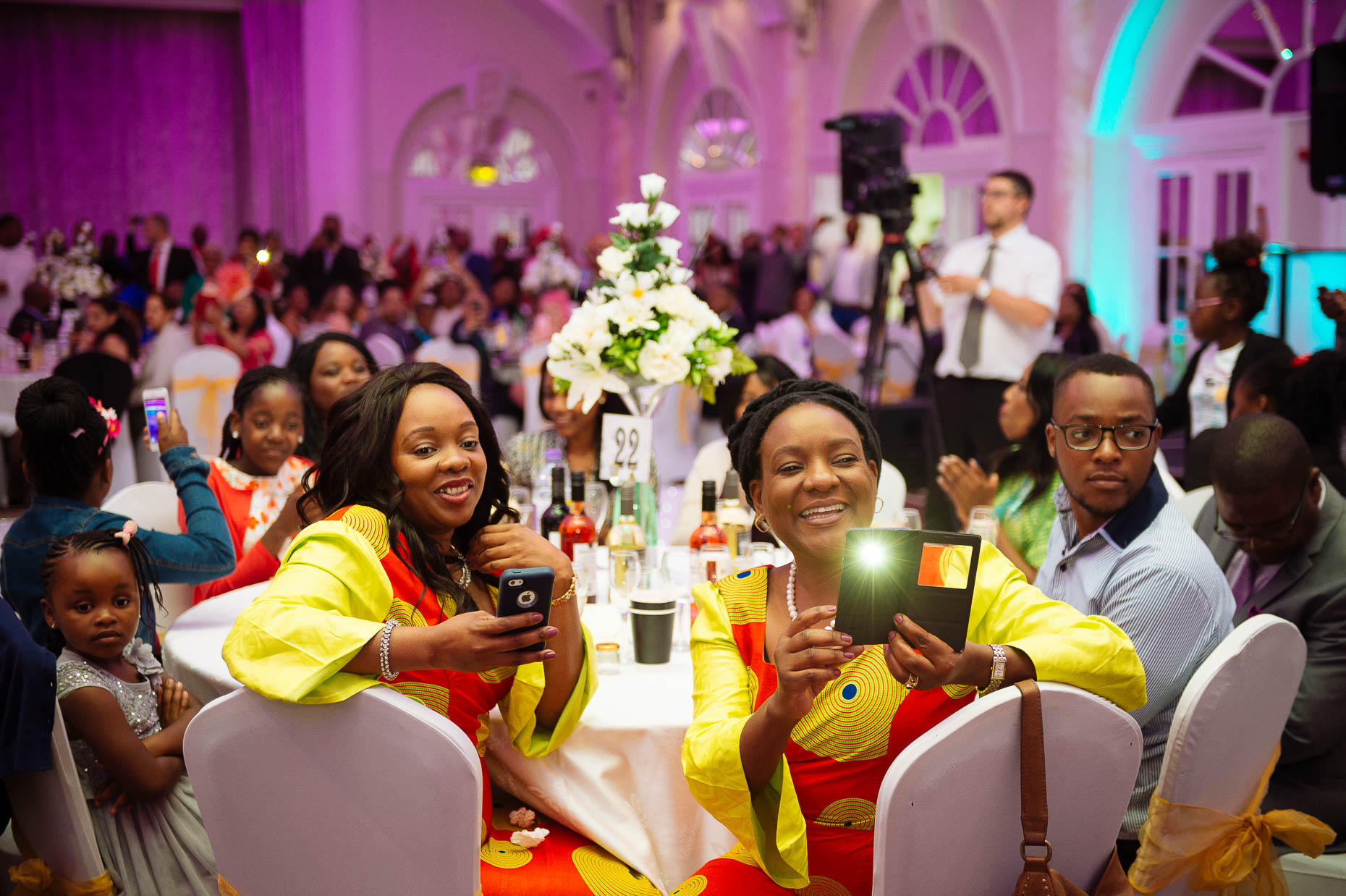 african-wedding-reception-guests-dinner-kelly-17