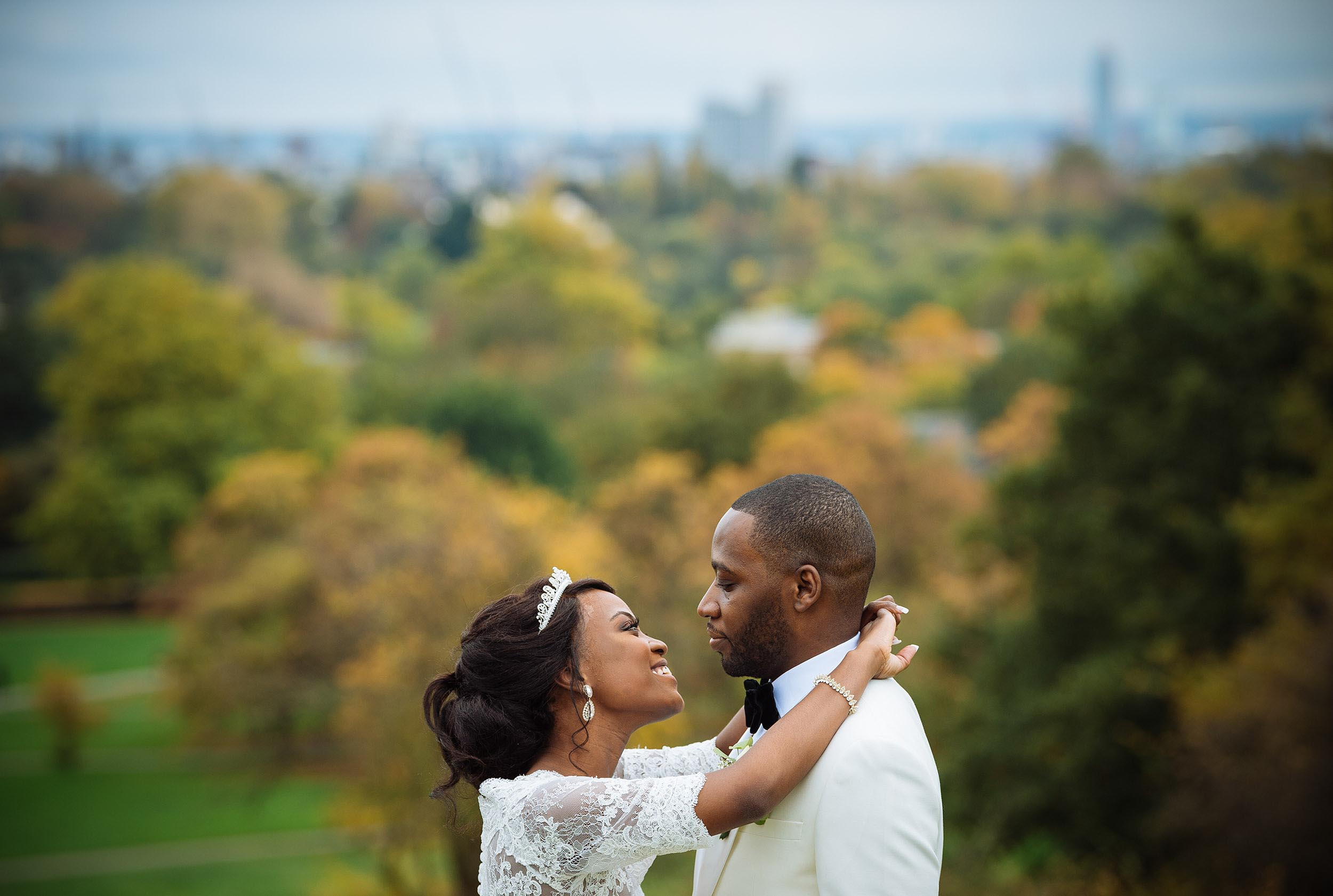 autumn-love-wedding-bride-groom-regents-park-london-photographer
