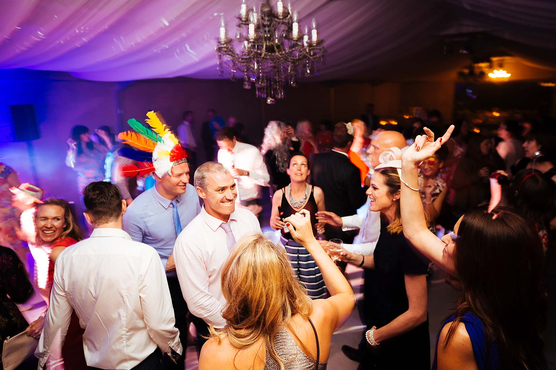 axnoller-house-dorset-weddings-photographer-dancefloor-party-21
