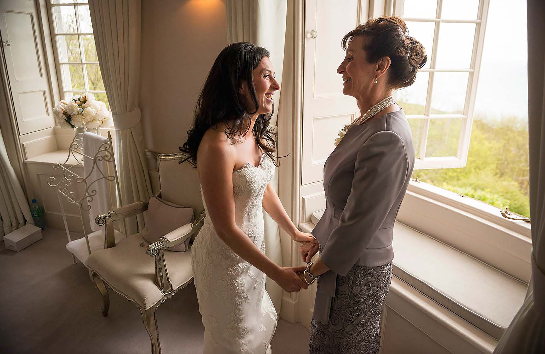 bride-and-mother-wedding-day-pennsylvania-castle-dorset-photography-14