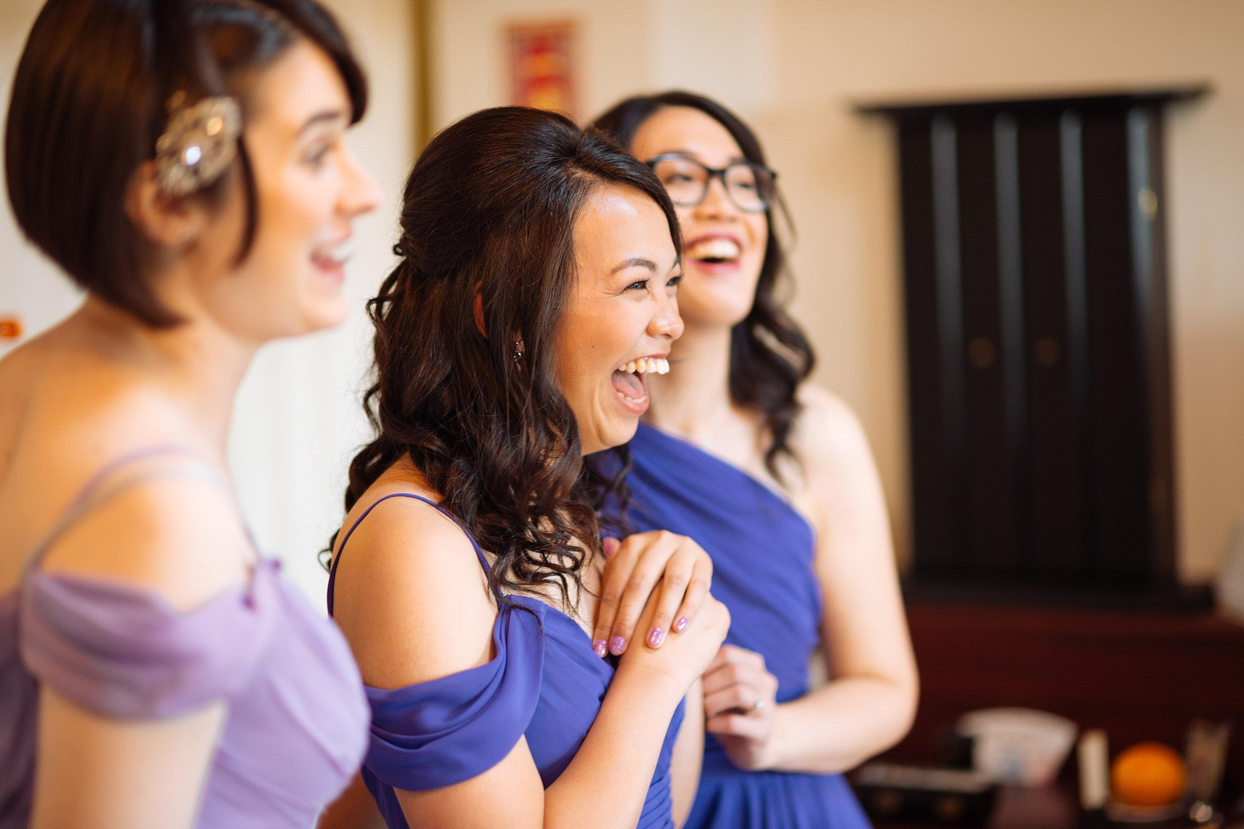 bridesmaids-chinese-wedding-photographer-bridal-prep