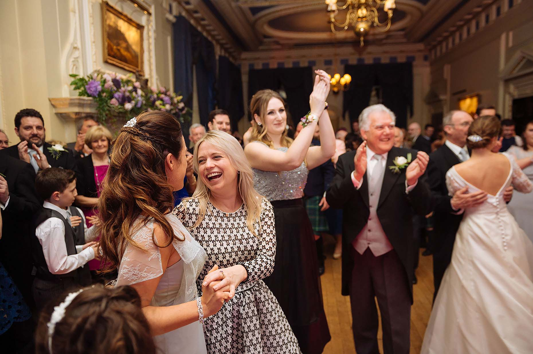 caledonian-club-london-guests-wedding-photography-dancefloor-30