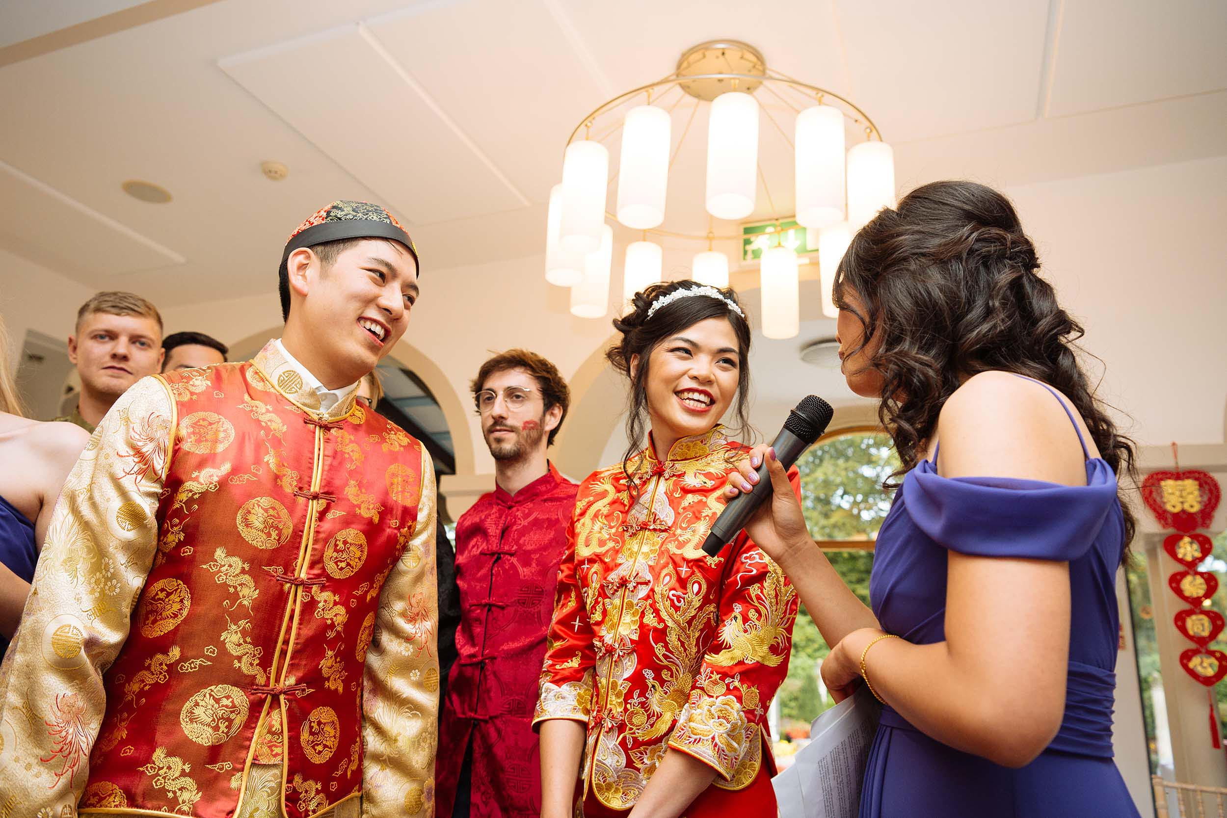 chinese-traditional-dress-wedding-couple