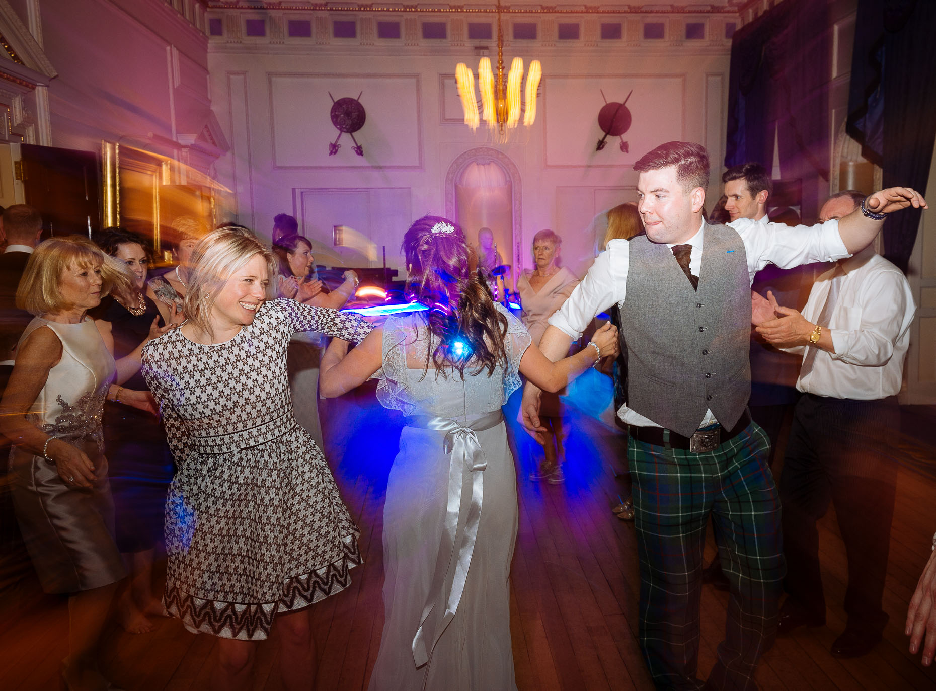 dancefloor-london-wedding-photographer-21