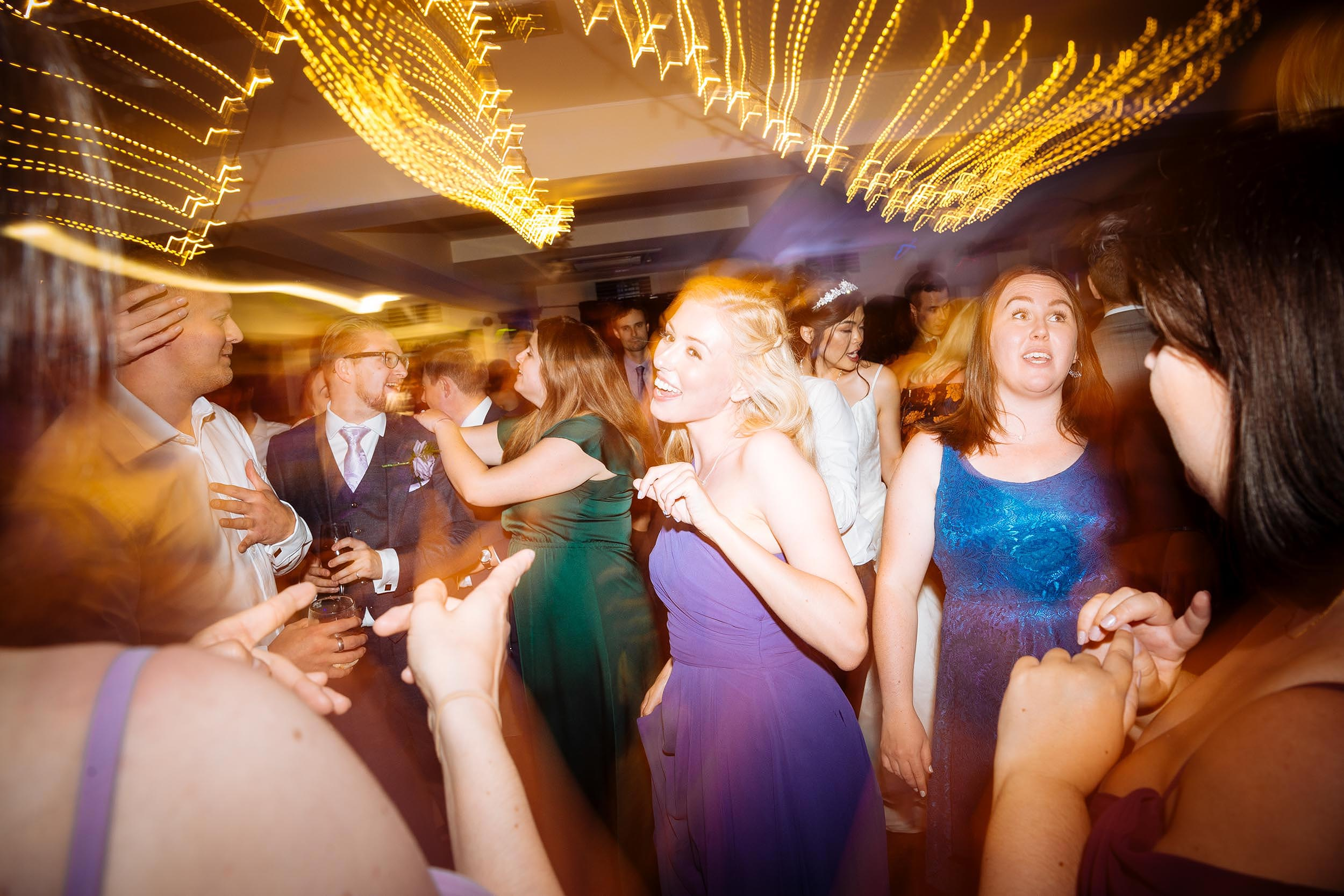 dorset-wedding-photographer-italian-villa-dancefloor