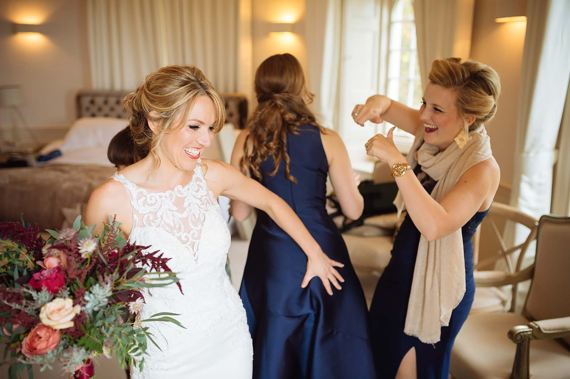 emotions-happy-bride-fun-with-bridesmaids-wedding-32