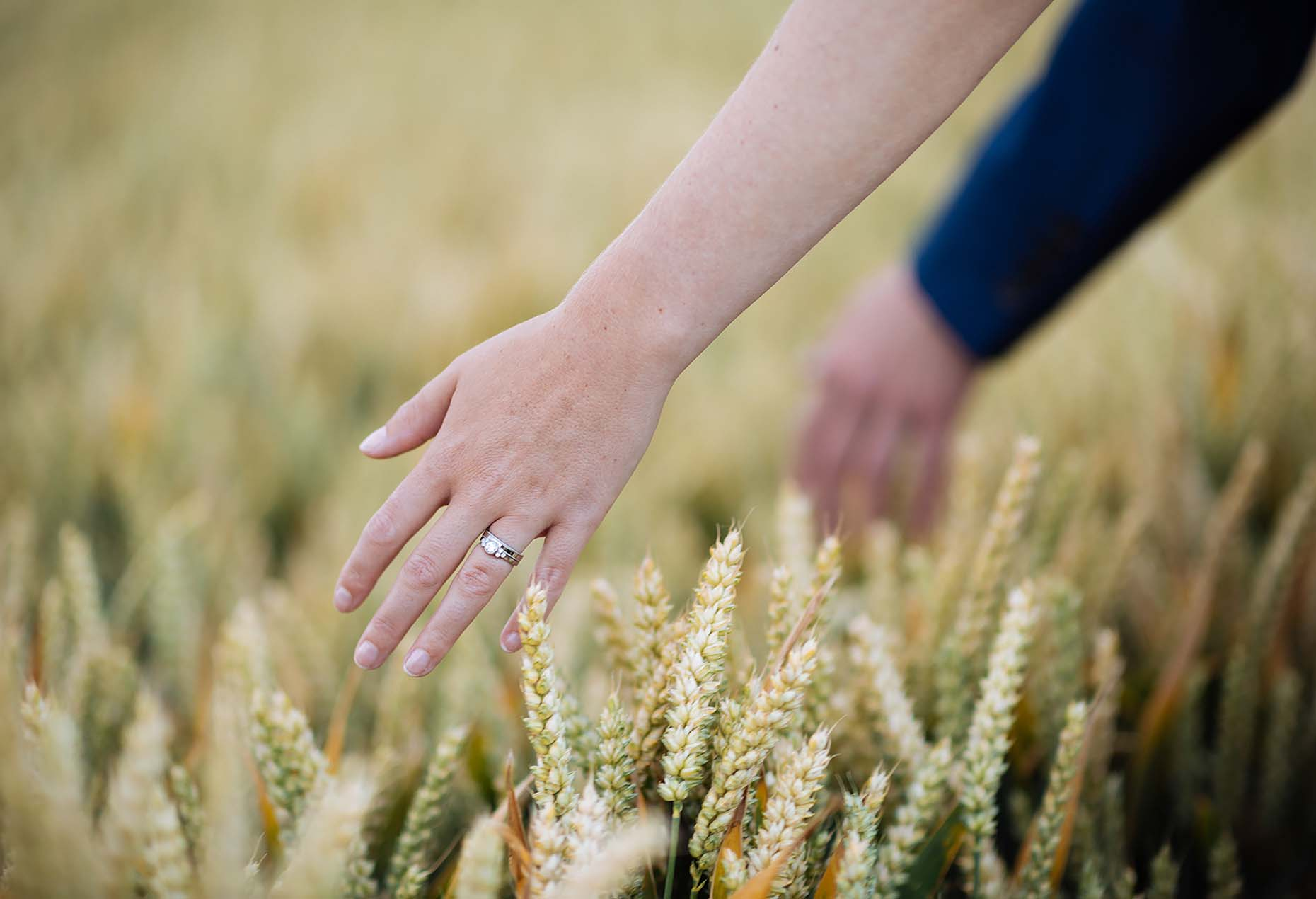 field-rural-outdoor-wedding-bride-groom-detail-hands-28