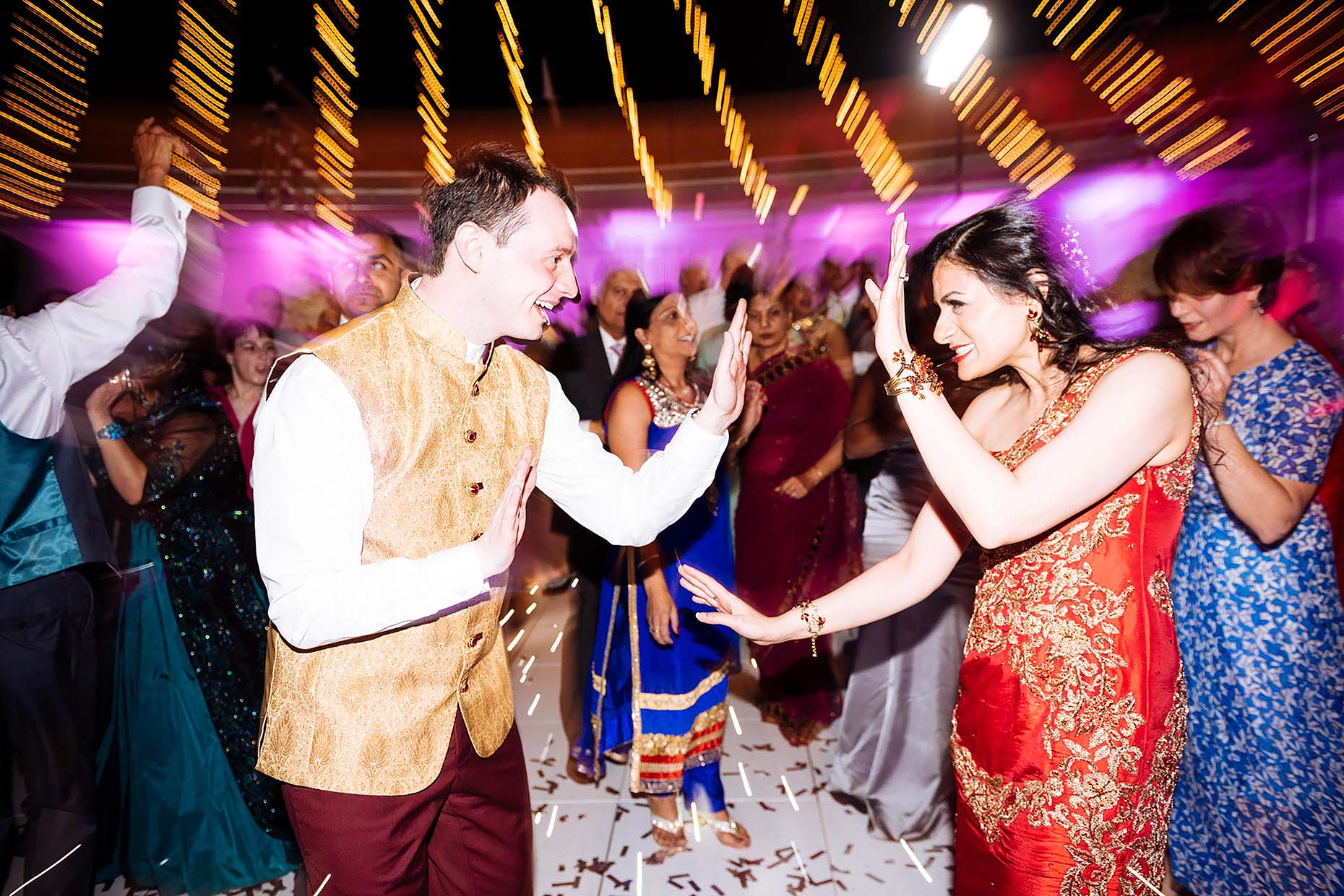 indian-wedding-couple-dancefloor-colour-happy-savill-court-hotel-19