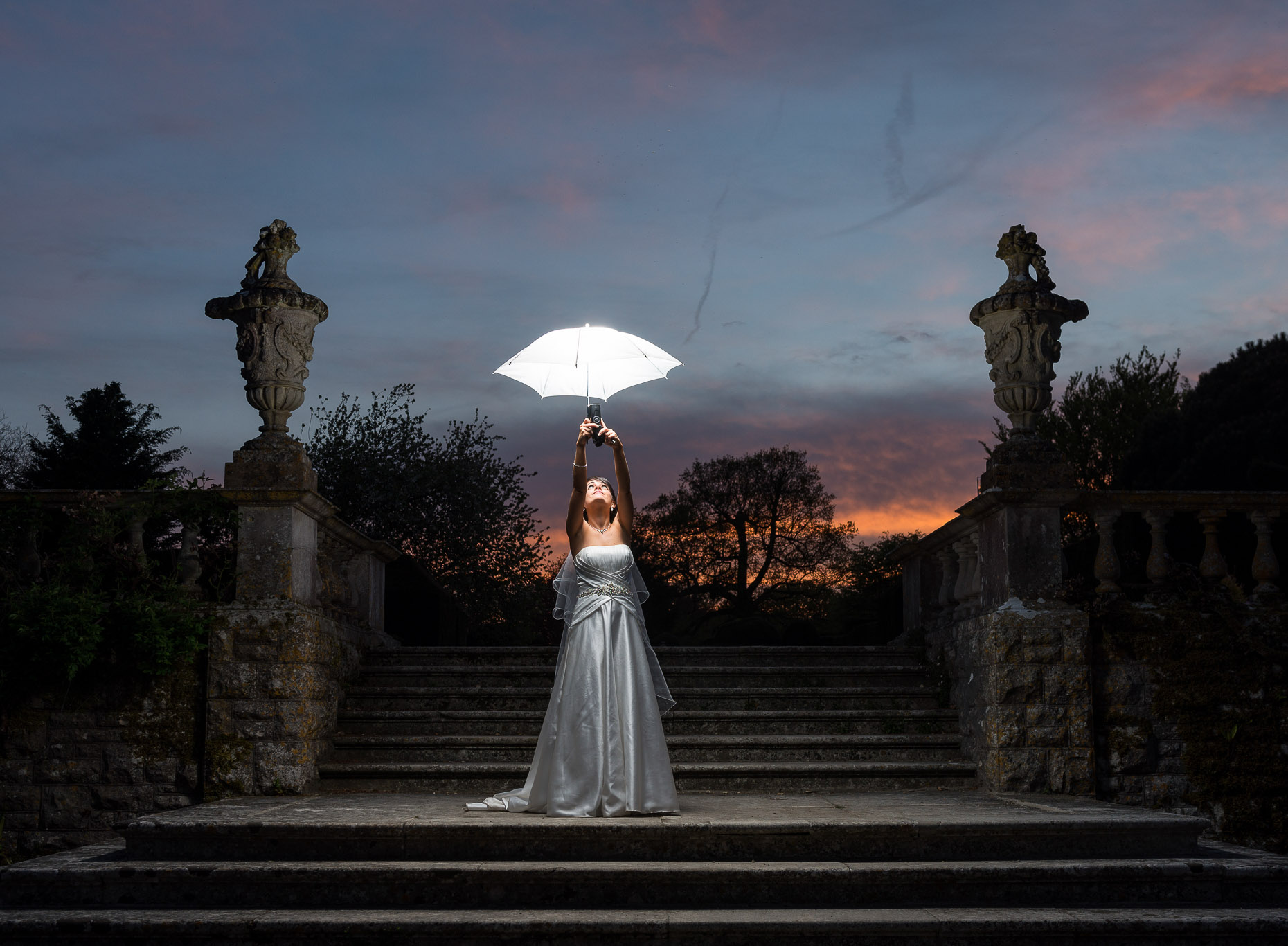 leah-umbrella-twilight-dusk-photograph-kingston-maurward-08