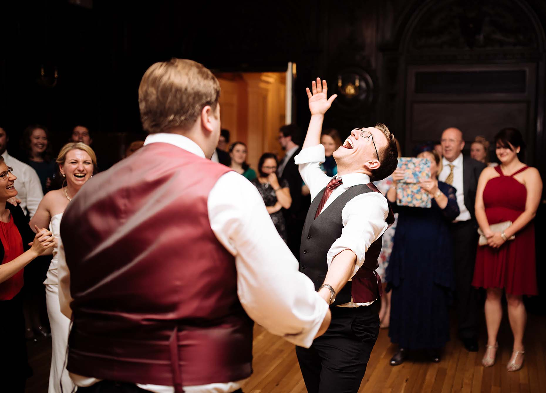 london-wedding-dancefloor-photographer-joy-men-dancing-13