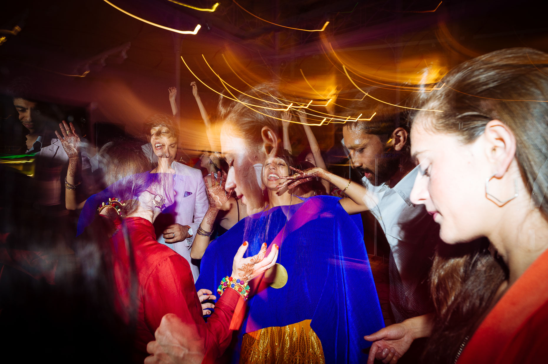 pooja-dan-v-and-a-museum-childhood-dancefloor-fusion-wedding-31