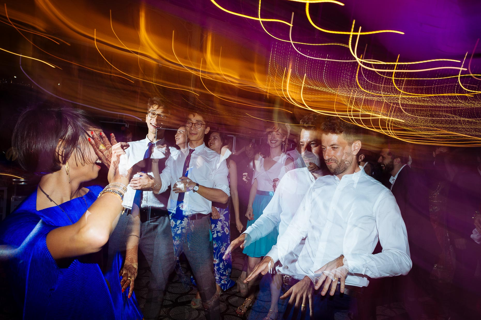 pooja-dan-v-and-a-museum-dancefloor-fusion-wedding-photography-32