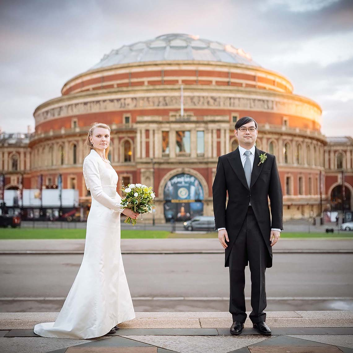 royal-albert-hall-london-wedding-photograph-formal-classic-style-12