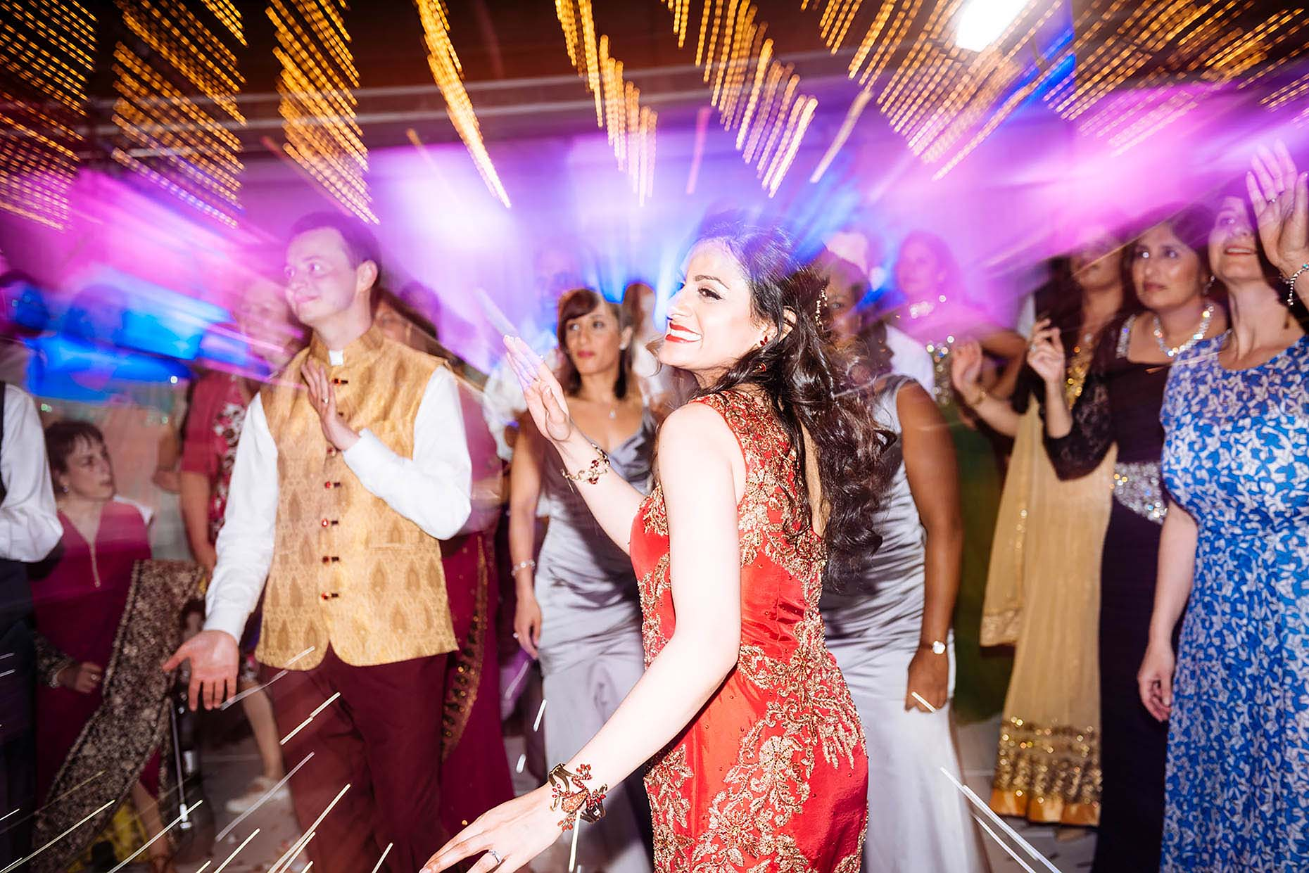 savill-court-hotel-wedding-dancing-indian-wedding-20