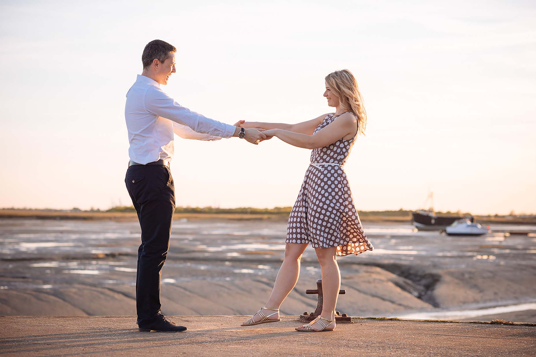 simon-southend-on-sea-engagement-shoot-summer-dance-06