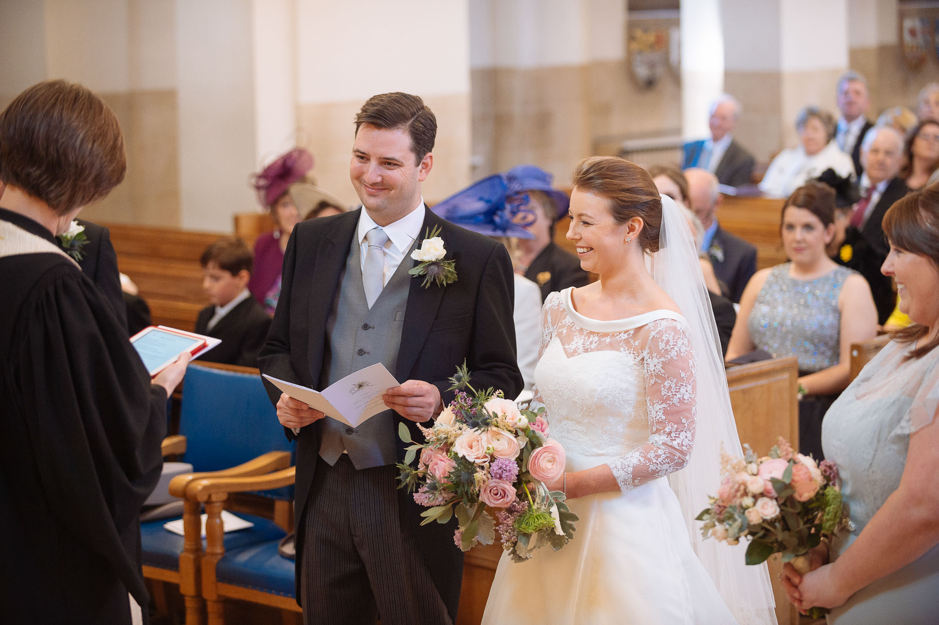 st-columba-church-wedding-ceremony-london-photographer-09