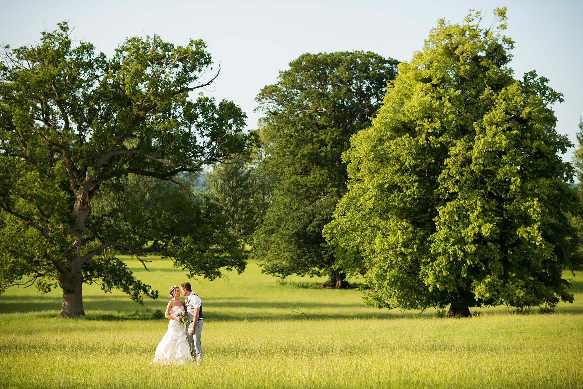 suzie-field-landscape-wedding-portrait-outdoors-rural-34