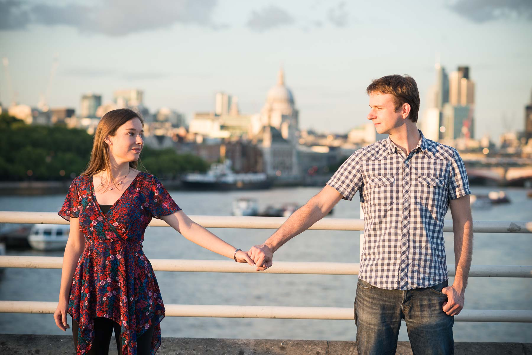 waterloo-bridge-london-engagement-shoot-skyline-12