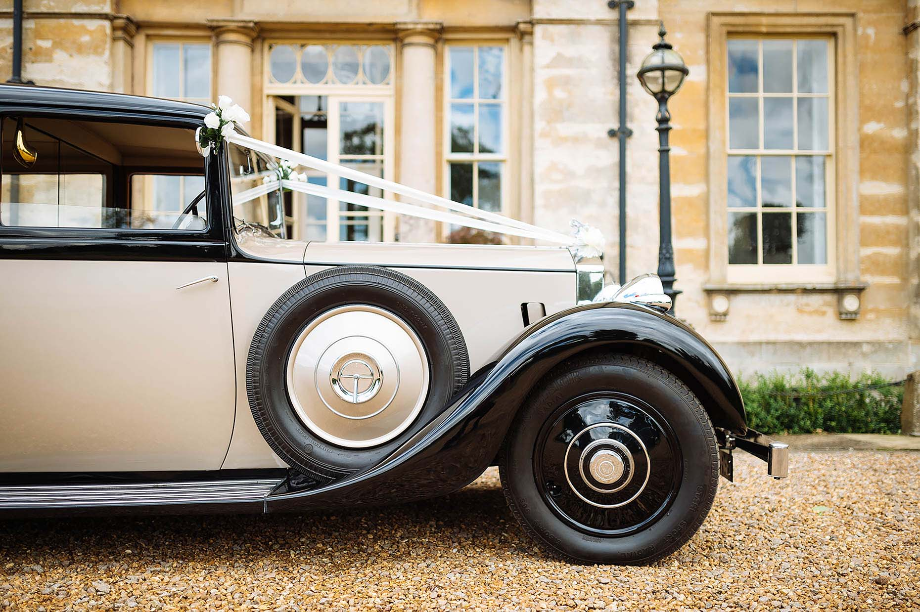 wedding-car-rolls-royce-vintage-old-courteenhall-anna-34