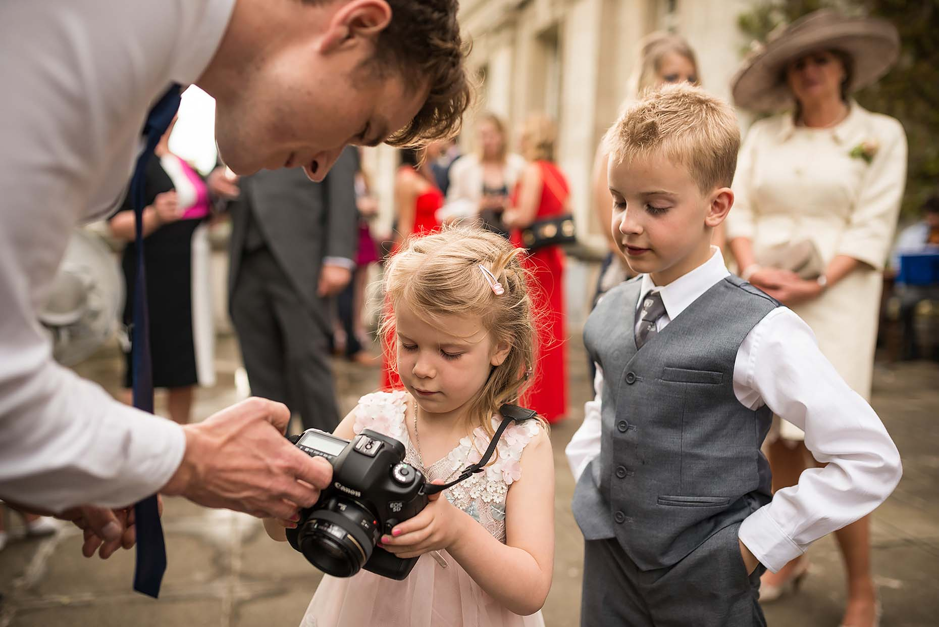 wedding-reception-child-guests-camera-dslr-canon-london-07